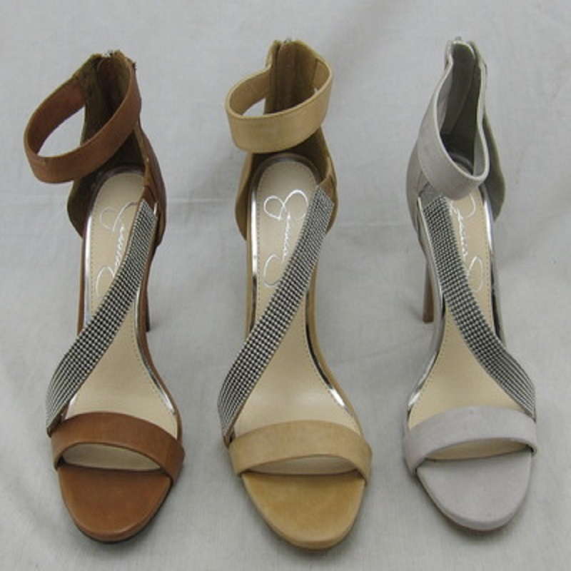 New leather sexy Roman high-heeled sandals watertight table with narrow diamond sandals.