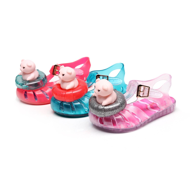 Anne ve Çocuk'ten Sandaletler'de Yeni Çocuklar Yürümeye Başlayan Kız Ayakkabı Jöle Sandalet Bebek Kız Karikatür Domuz Çocuk Yaz Sevimli Karikatür plaj ayakkabısı Infantil Sandalia title=