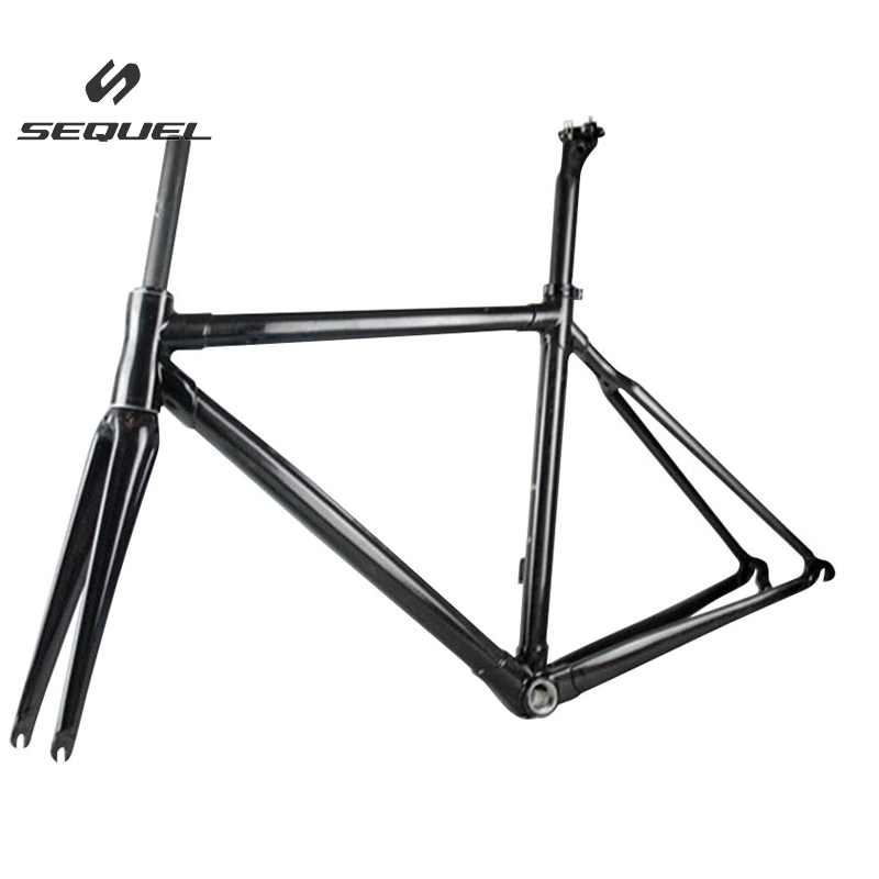 купить Light weight chinese carbon frames round shaped road bike frame, BB68 screws threaded carbon frame road по цене 21691.2 рублей