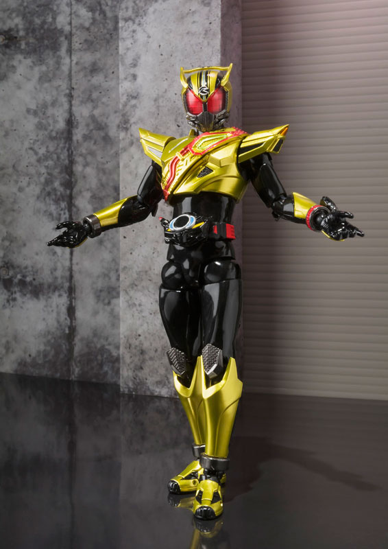 Japan Anime Kamen Rider Drive Original BANDAI Tamashii Nations S.H.Figuarts / SHF Action Figure - Gold Drive