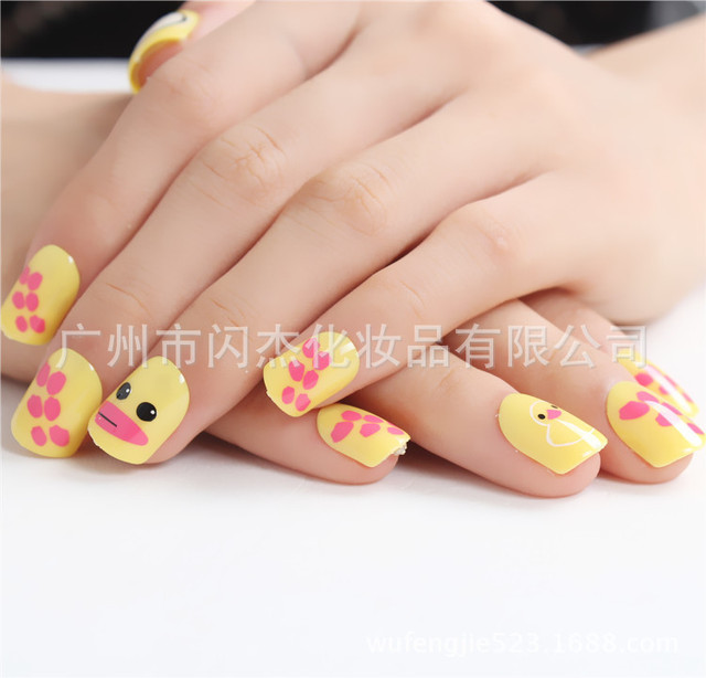 2017 New Style Yellow Duck Painted Fingernails Paste False Nail Art Design Tips Decorated Fake