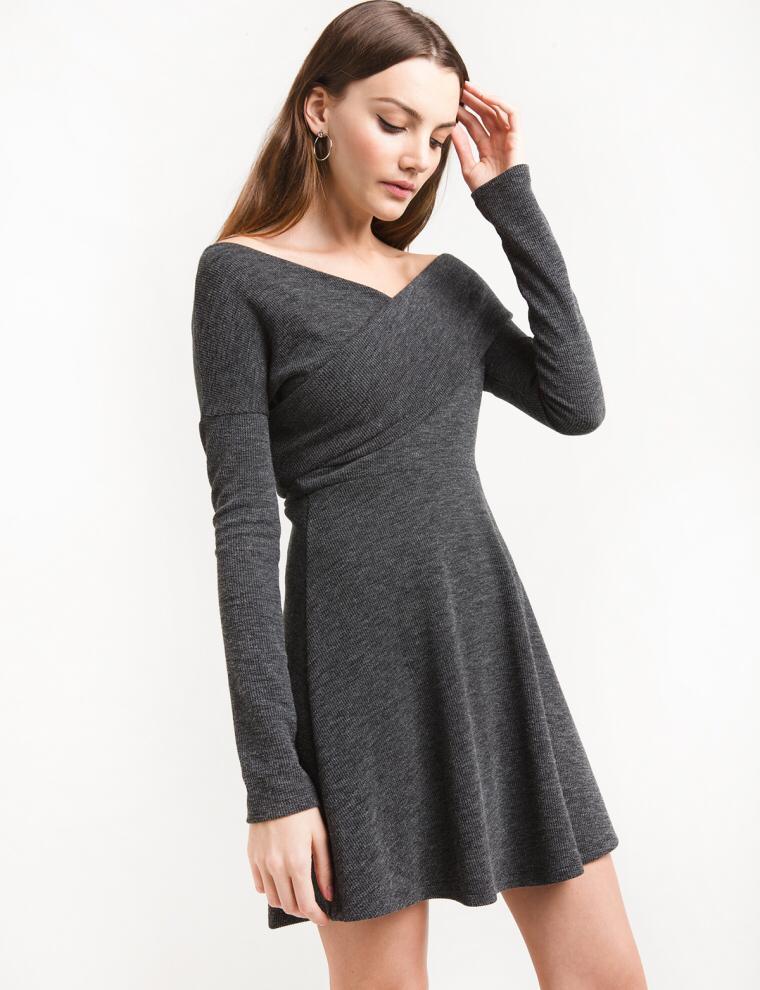 купить 2018 Fall Spring Sexy Backless Elegant Dress Women Winter Deep V Neck Cross Knitted Dress Women Plus Size Vintage Bodycon Dress по цене 799.17 рублей