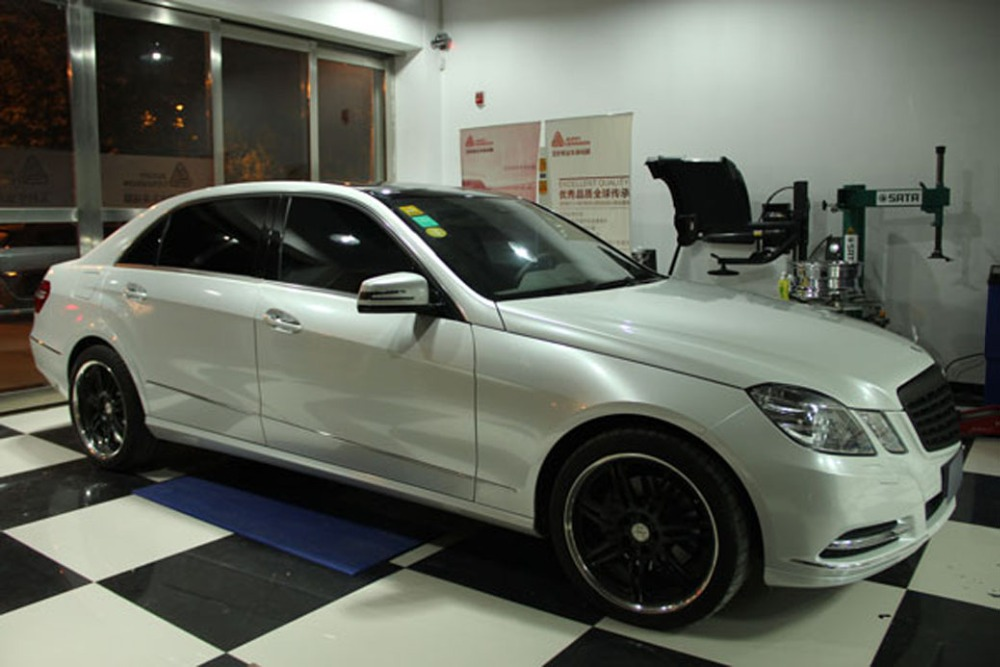 Image 3 - Car Styling Chrome Pearl Ceramic White Vinyl for car wrapping Pearl matte white satin film with Size: 10/20/30/40/50/60x152cm-in Car Stickers from Automobiles & Motorcycles