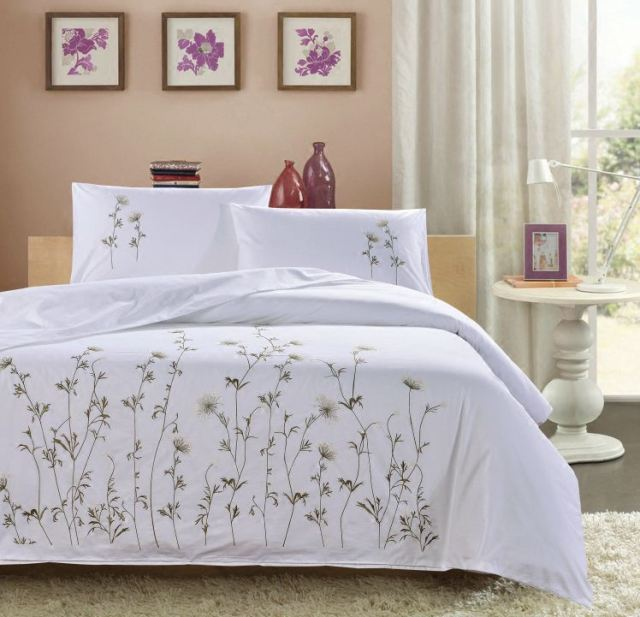 Traditional White Embroidered Three Pcs Bedding Sets High Quality 100% Cotton  Duvet Cover+2Pillowcases
