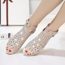New Women Sandals Gladiator Wedges Luxury Shine Crystal Rivet Peep Toe Ladies Party Sexy Elegant Low Heels Fashion Trend