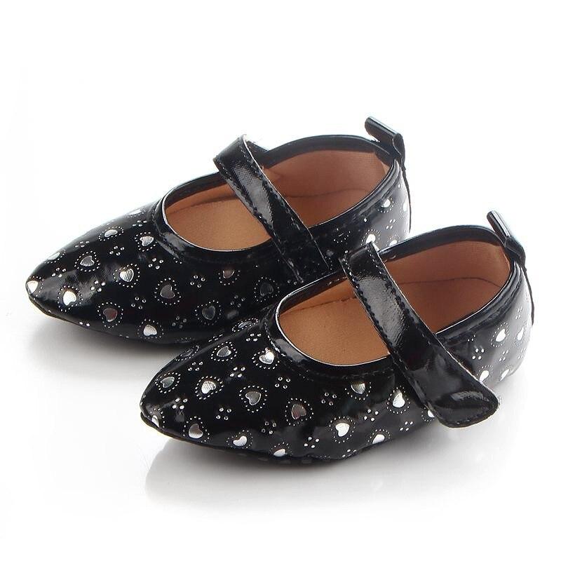 2 Цвет PU Кожа Новорожденного Обувь для девочек принцесса в форме сердца большой бант Prewalkers мягкая подошва кроватки Babe Обувь ...