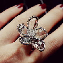 Fashion Retro Smoky Gray Crystals Cubic Zirconia Super Big Flower Ring Cool Punk Cocktail Party Ring Women Jewelry Anel Feminino