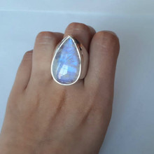 Moonstone Rings for Women Hyperbole Vintage Ring Water Drop White Stone Female Fashion Jewelry Wholesale Size 6-10