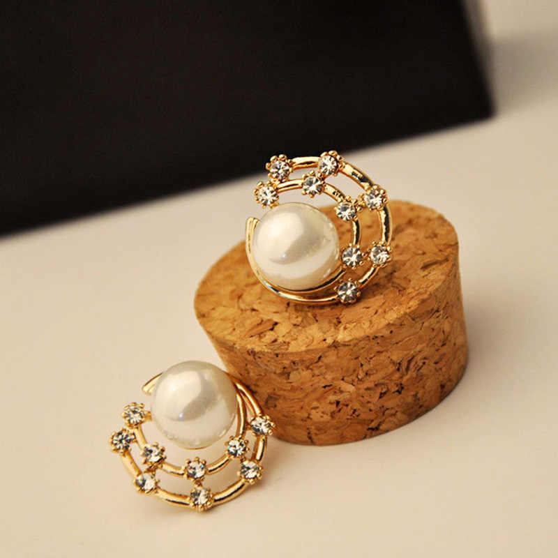 Gold Color Crystal Shell Simulated Pearl Round Stud Earrings For Women Hollow Earring Rhinestone Zircon Jewelry Accessories