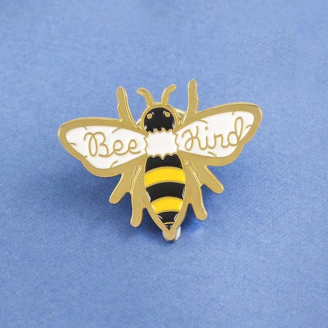 Di modo Bee tipo Ape Ape Spilla per Le Donne Smalto pins Animale insetto distintivo di essere gentile Bee pin spilla pins Gioielli spille regalo