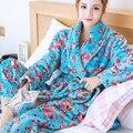 Camisón de franela de otoño e invierno femenina de terciopelo grueso de coral caliente floral albornoz pijamas