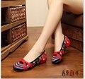Женская мода Старый Пекин ткани обувь Квартиры с Скольжения на Случайные Вышивка Обувь Размер 34-41 Синий + Красный квадратные танцевальная обувь Женщина