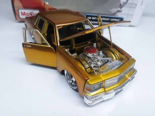 Mai Sto 1:24 1987 CHEVROLET CAPRICE alloy model Car Diecast