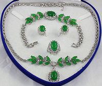 Mot de cadeau de femmes en gros choker ensembles de bijoux pour femmes anime vert gem argent crystl boucle d'oreille bracelet collier anneau