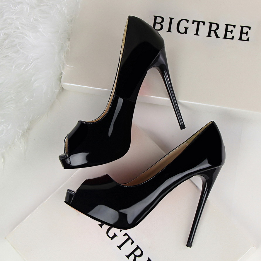 Spring Autumn Waterproof platform women pumps Patent leather Sexy Was thin Nightclub Fish mouth 12 CM Fine high heels  shoes купить