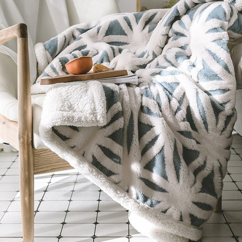 Blanket Lazy quilt thick warm coral fleece blanket winter flannel sheets sofa nap blanket bedding comforter patchworkBlanket Lazy quilt thick warm coral fleece blanket winter flannel sheets sofa nap blanket bedding comforter patchwork