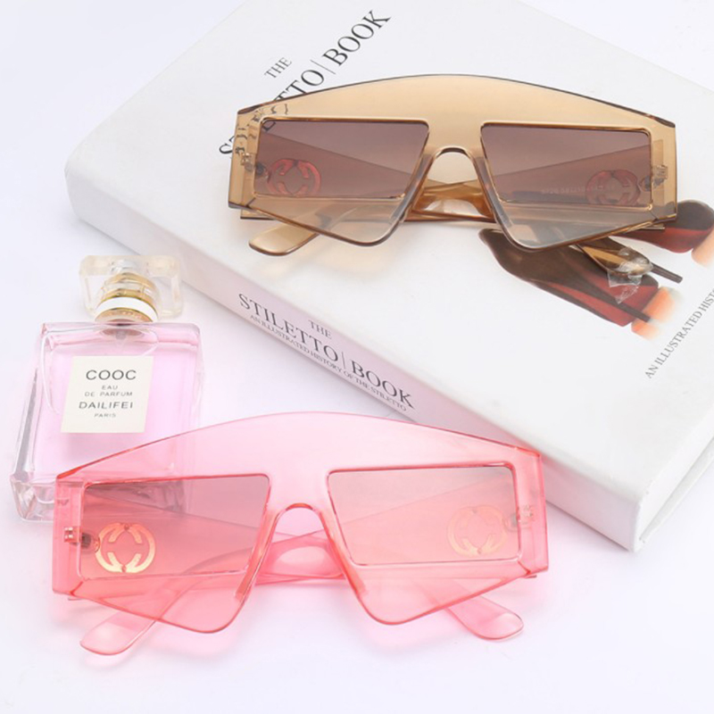 2018 New Style Fashion Sunglasses Women Vintage Oversized Cute Glasses for Women or Female Party Sun Glasses Accessories Gafas D