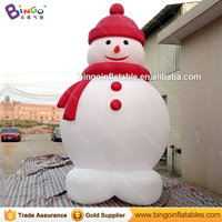 Factory direct sale 5 meters high Inflatable snowman with red cap for party decoration customized blow up snowman balloon toys