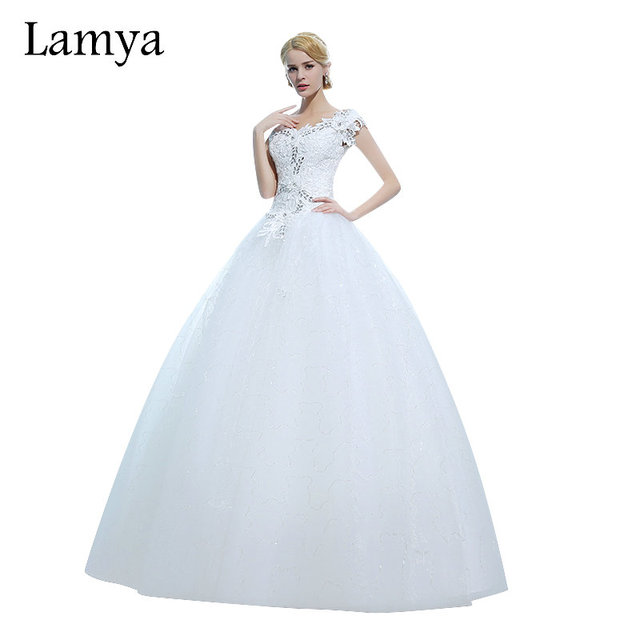 LAMYA Plus Size Lace Fashionable Ball Gown Wedding Dress Sexy Bride Gowns  Vintage Wedding Dresses 2018 vestido de noiva 19382d2ed67d
