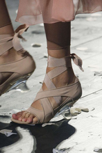 Summer new high-heeled toe sandals, horse shoe-heeled crystal shoes, silk and satin straps, special-shaped heeled Roman shoes