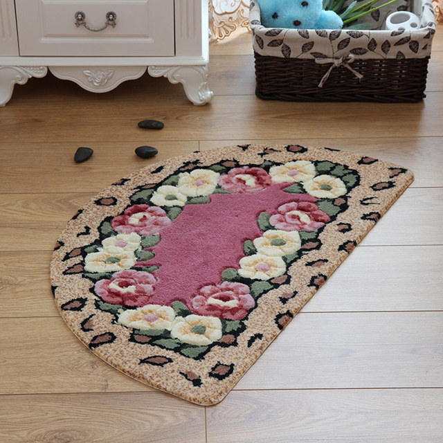 Retro Floral Patterned Water Absorbing Bathroom Rug