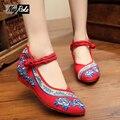 Роза красные днища обувь вышитые Китайский стиль повседневная обувь женская острым носом холст насосы моды валентина женская обувь туфли