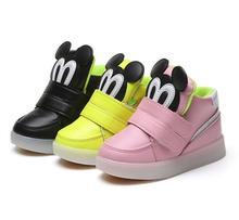 Com Luz LED Meninos Meninas Sneakers 2018 Primavera Desenhos Animados Criança Sapatas Do Esporte Da Moda Luminosa Iluminado Brilhando Crianças Botas Criança Sapatos