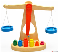 educational toy Professional Montessori Materials Wooden Scale Development Center To Promote Children's Balance Simulation Tools