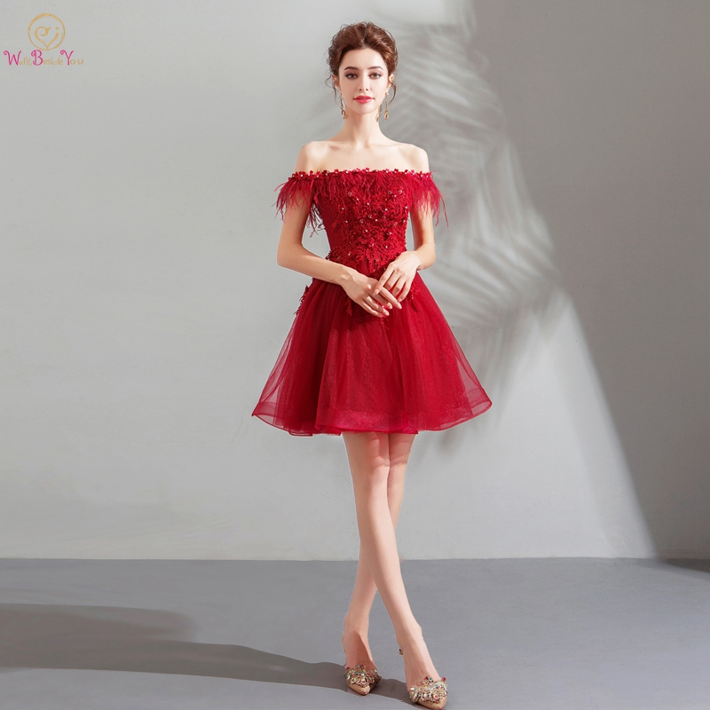 Wine Red Cocktail Dresses 2019 Short Mini Lace Appliques Beading Crystal Sparkly Off Shoulder Boat Neck