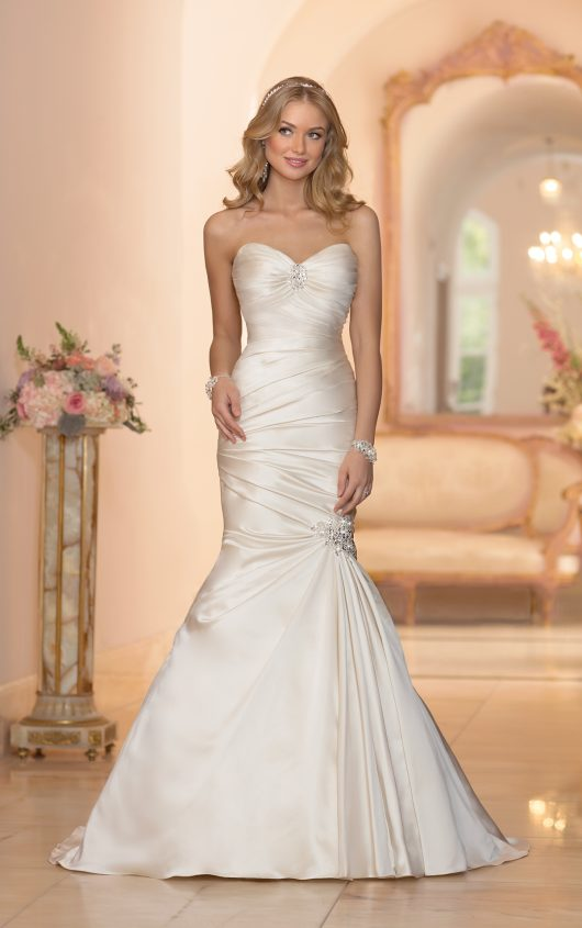 Elegant Wedding Dresses 2016 Strapless Fit And Flare Gowns Pleats Bridal Dress Robe De Mariage Vestido Noiva In From