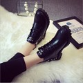 Botines de invierno 2016 Nuevas Mujeres de La Manera de La Pu de Cuero Remache Cremallera Botas Para la Nieve Zapatos Calientes Negro Vino Tinto