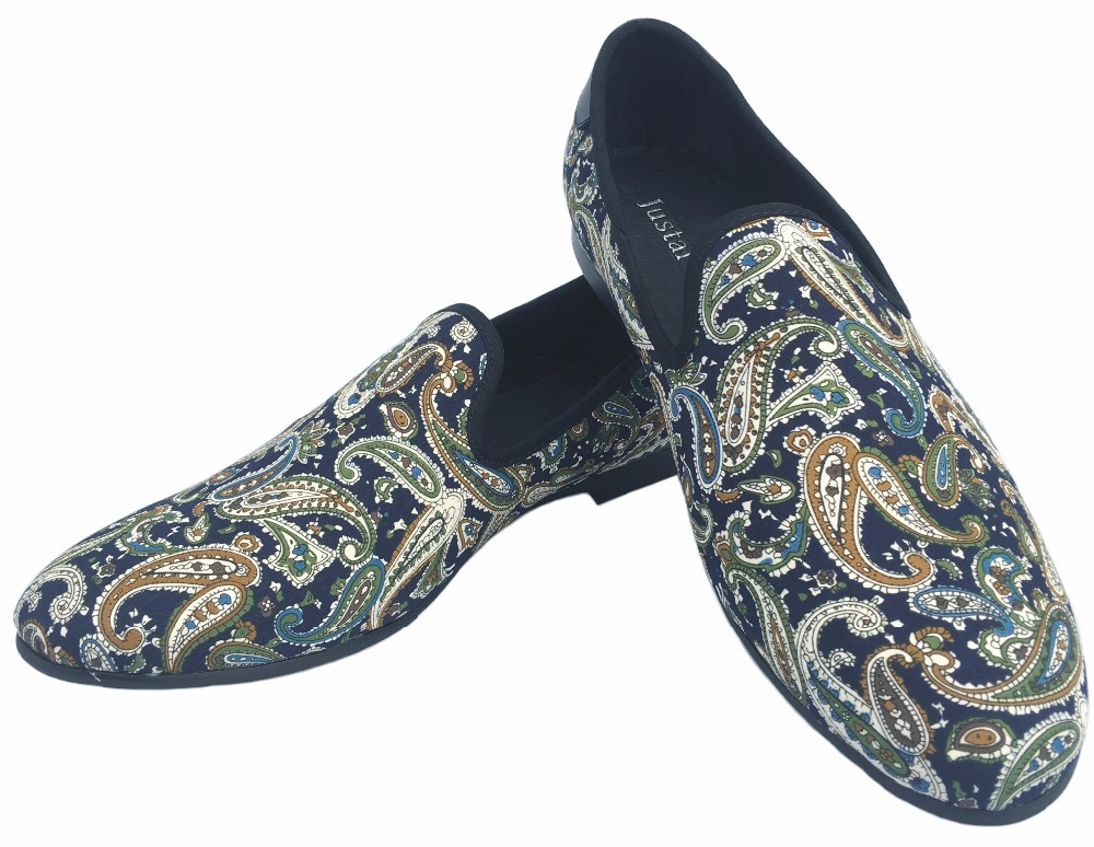 95920b43a320c Nouveau Mode Hommes Velours Mocassins Noir Chaussures De Mariage De Bal  Robe Chaussures Fumer Pantoufles avec La Couronne À La Main Hommes  Appartements de ...