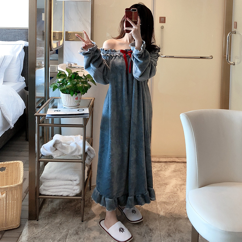 Female Winter And Autumn Warm Women Nightgowns 2019 Long-sleeved Sexy Slash Neck Mid-Calf Sweet Velvet Female Nightdress