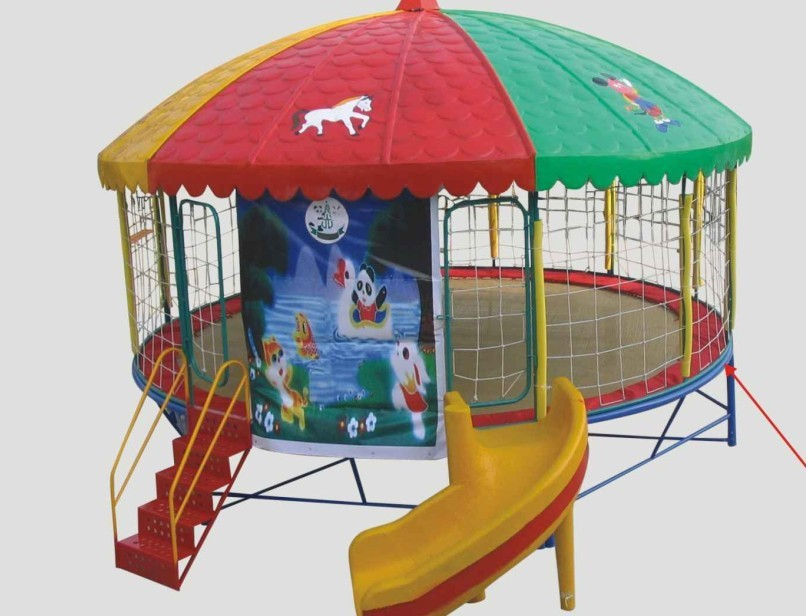 Round Trampoline Playground With Roof And Slide