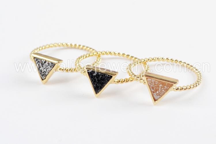 BOROSA 10PCS Gold Color Triangle Rainbow Drusy Rings, Mixed Colors Agates Titanium Rainbow Druzy Bezel Ring Women Jewelry ZG0290 3