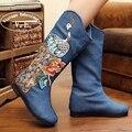 Botas de Inverno Mulheres estilo Retro Old Pequim Chinês do Bordado do vintage Flor Pavão Bordado Botas botas mujer zapatos mujer
