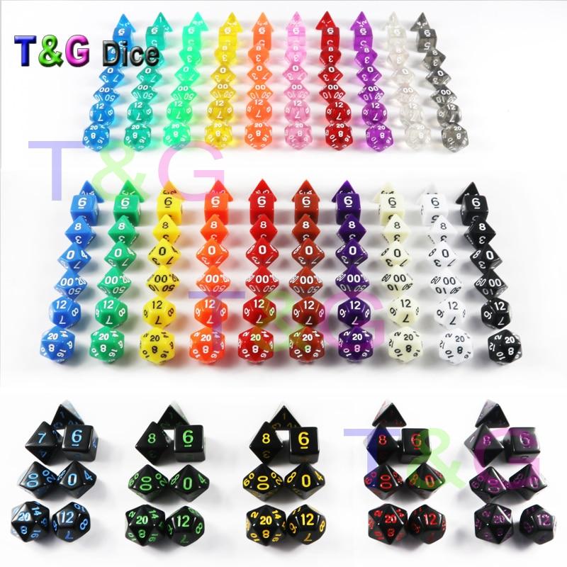 Оптовые 7 шт./лот Набор кубиков D4, D6, D8, D10, D10 %, D12, D20 каждый кости случайный 25 Цвета различных Цвет драконы и подземелья
