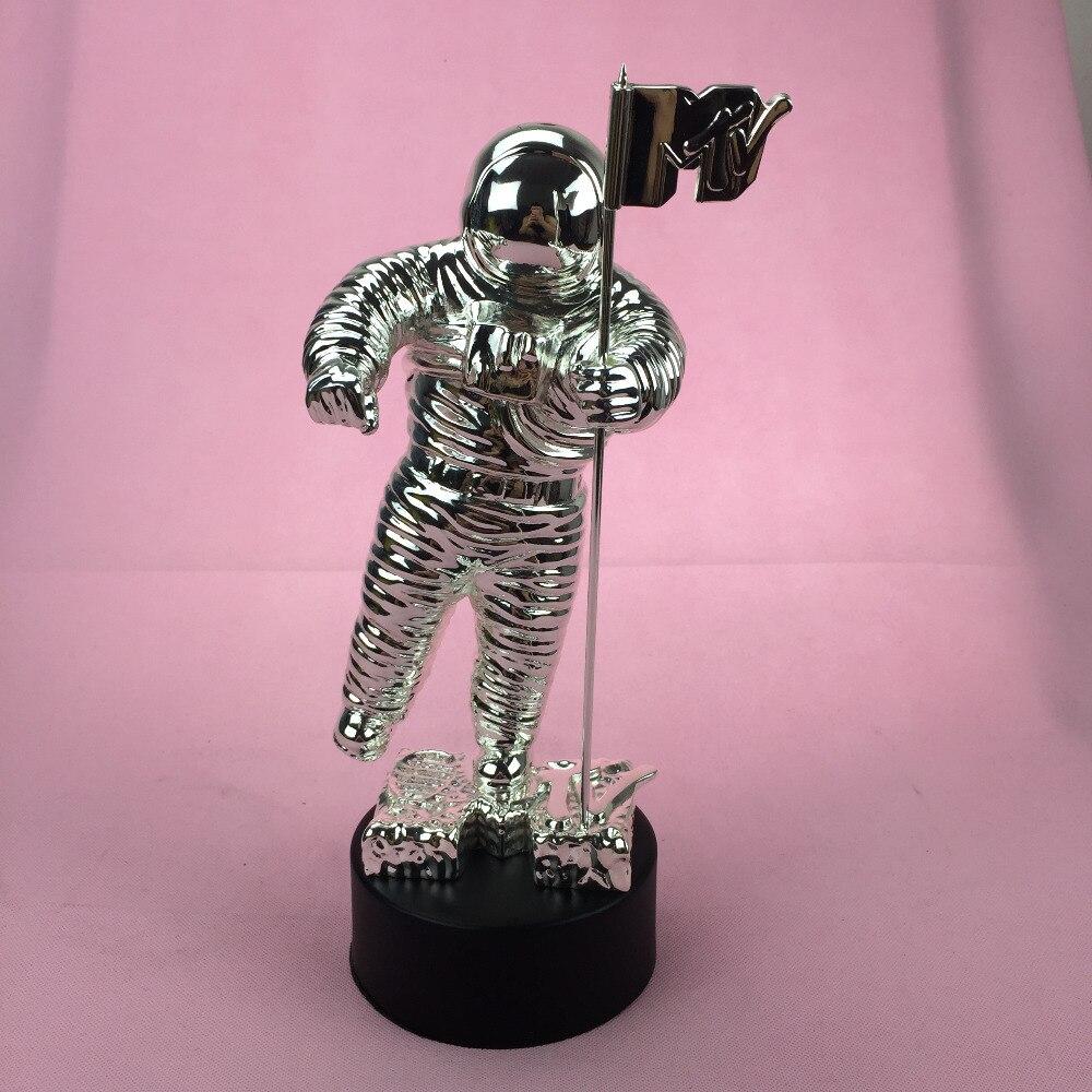 2013 Prêmios VMA, Troféu de Premiação da MTV, Moonman MTV Awards Troféu, Metal Prêmios VMA
