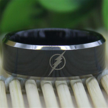 Free Shipping Top Quality Fine Ring Hot Sales 8MM Black Top Silver Bevel The Flash Design Men's Comfort Tungsten Wedding Ring