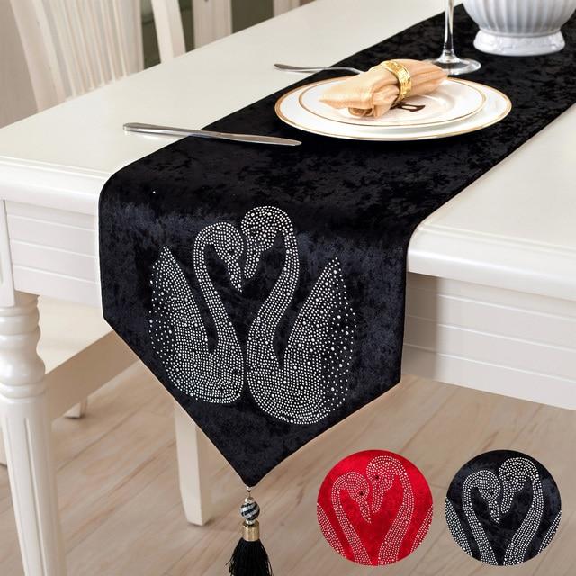 European Style Dining Table Cloth Luxury Black Swan Runner Red Wedding Decorative