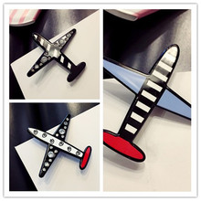 Aircraft sweater brooch female pin buttons Korea corsage, cute cartoon coat cardigan badge