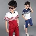 Varejo 2016 novas Crianças roupas de verão definir Meninos moda Tarja esporte terno crianças conjunto ocasional de manga curta T-shirt e calças