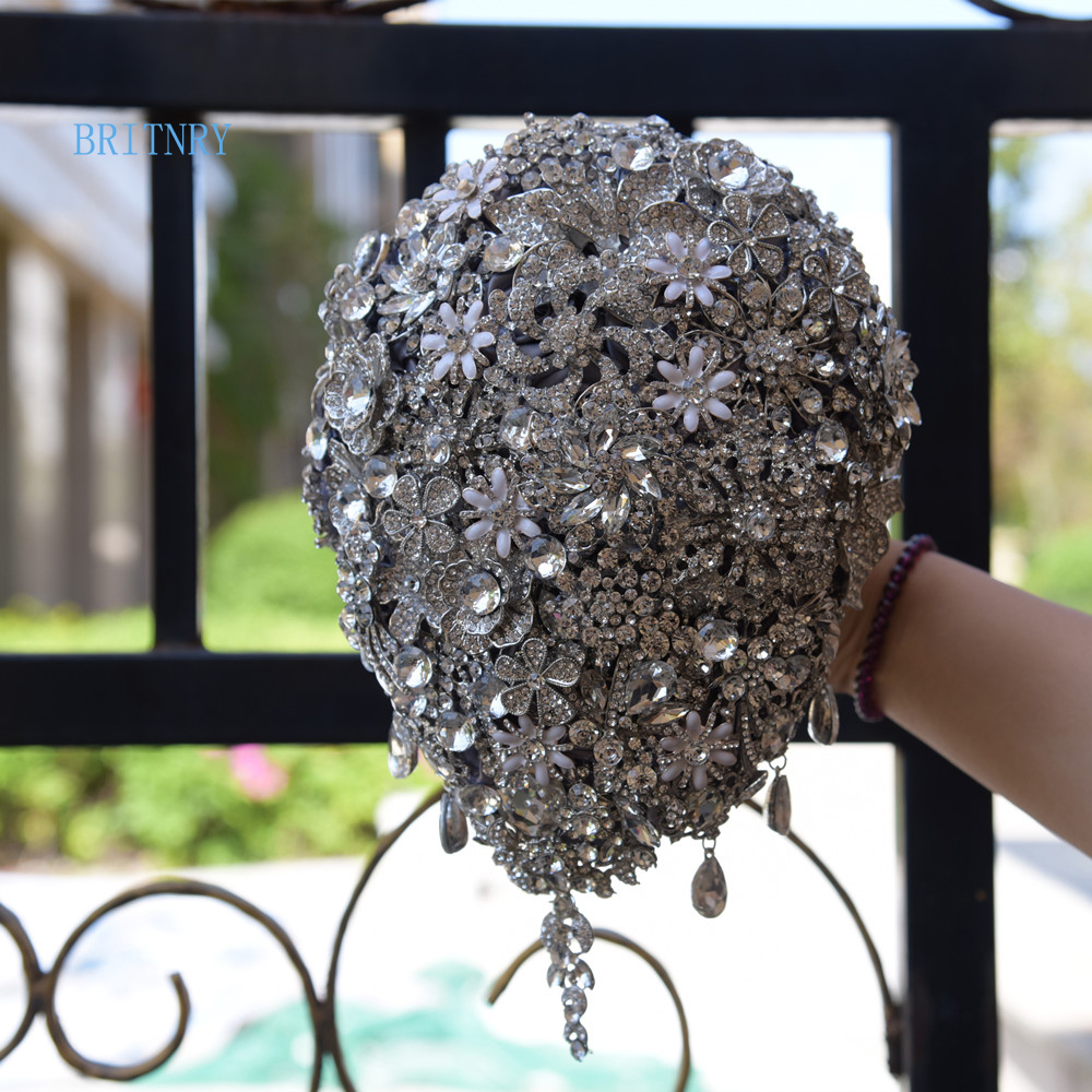 BRITNRY Real Photos Cascading Teardrop Bouquet Silver Brooch Bouquet Wedding Accessories Jewelry Bouquet Crystal Cascade Bouquet
