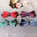 Padrão de Leopardo Moda por atacado Material de Veludo Ouro Arco Gravata Borboleta Casamento Gravata para Os Homens Do Vintage Requintado Gravata 17 PÇS/LOTE