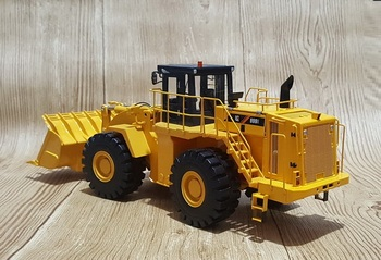 Rare Collectible Alloy Model 1:35 Scale Liugong CLG 899III Wheel Loader Engineering Machinery Diecast Model Toy for Decoration