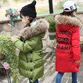 Top Qualidade! 2016 Meninas Guaxinim Verdadeira Gola De Pele Acolchoado Jaqueta de Pato Para Baixo Crianças Outwear Crianças Quentes De Inverno da Marca À Prova D' Água casaco