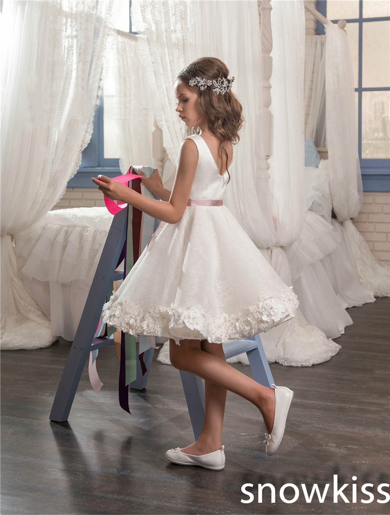 2018 white vintage communion dress draped with flower bow knee length cute  prom dress for kids glitz flower girl dresses -in Dresses from Mother    Kids on ... 1d019fdd4e71