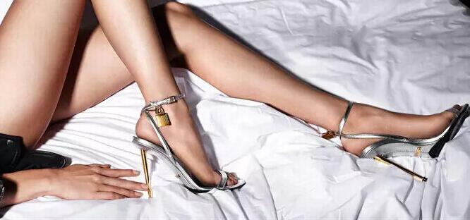 Noir Talon D'été Femme Chaussures serrure Aiguille Style Charme Designer Sandales Cheville argent Femmes Sandale rouge Métal Or Décent Dr waBq4