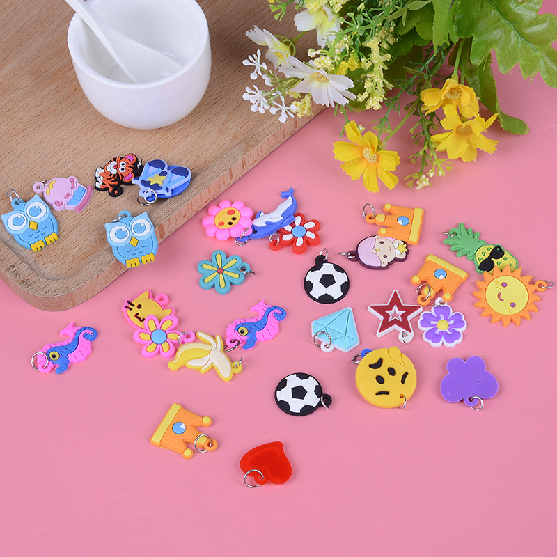 30pcs Making Beads Toy  Colorful Rubber Band Bracelet Jewelry Random Style DIY Cartoon Colorful Animal Flower Beads Pendants