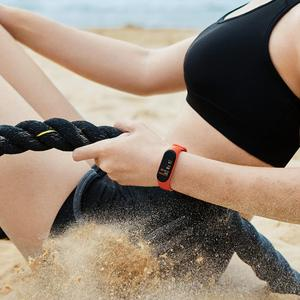 Image 5 - Xiao mi originale Mi banda intelligente 4 Wristband amoled 2.5D 0.95 POLLICI a colori dello Schermo 5ATM Bluetooth 5.0 Sensore della Frequenza cardiaca mi Braccialetto della fascia